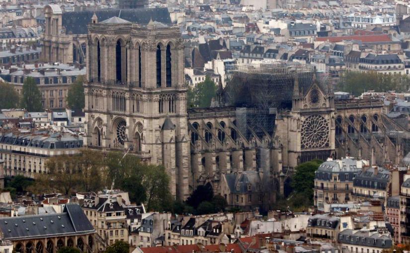 Ministro de gobierno francés abierto a permitir donaciones en criptomonedas para NotreDame